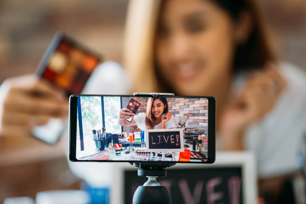 How to Broadcast Live Video Over The Internet